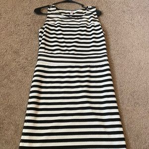 Black/White Fitted Stretch dress